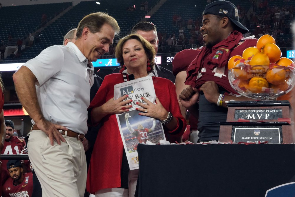 Orange Bowl: Alabama holds off Oklahoma for another shot at title