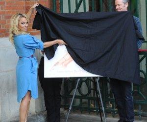 Pamela anderson peta ad banned
