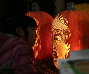 New York City prepares for Halloween with pumpkins, clowns and zombies