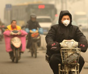 Beijing reaches hazardous levels of air pollution