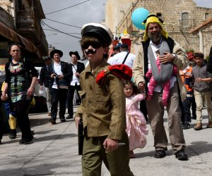 Jews celebrate Purim in West Bank city of Hebron