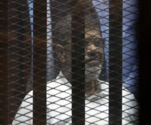 Court sentences former Egyptian president Mohamed Morsi