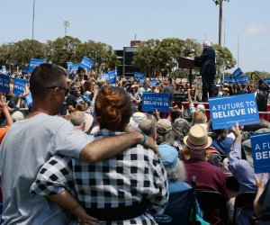 Ventura College feels the Bern as Sanders campaigns across California