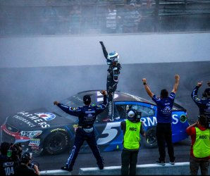"<img src=""/img/camera.png"" style=""padding: 5px 5px 0 0; display: inline;"">Kasey Kahne wins the Brickyard 400"