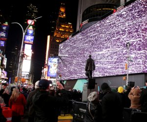 Times Square unveils eight story digital billboard