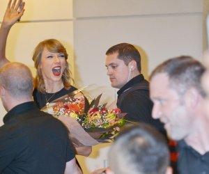 Taylor Swift arrives in Tokyo