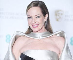"""<img src=""""/img/camera.png"""" style=""""padding: 5px 5px 0 0; display: inline;"""">Allison Janney, Sam Rockwell win top honors at BAFTA"""