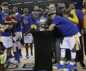 Warriors top Thunder to win NBA Western Conference finals