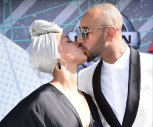 """<img src=""""/img/camera.png"""" style=""""padding: 5px 5px 0 0; display: inline;"""">On the red carpet at the 2016 BET Awards in Los Angeles"""