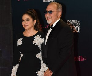 "<img src=""/img/camera.png"" style=""padding: 5px 5px 0 0; display: inline;"">Gloria and Emilio Estefan attend the Premio Lo Nuestro a La Música Latina show"