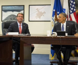 Obama receives an update on ISIS at the Pentagon