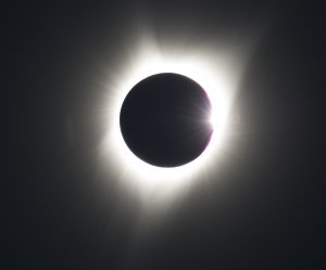 """<img src=""""/img/camera.png"""" style=""""padding: 5px 5px 0 0; display: inline;"""">United States experiences total solar eclipse"""
