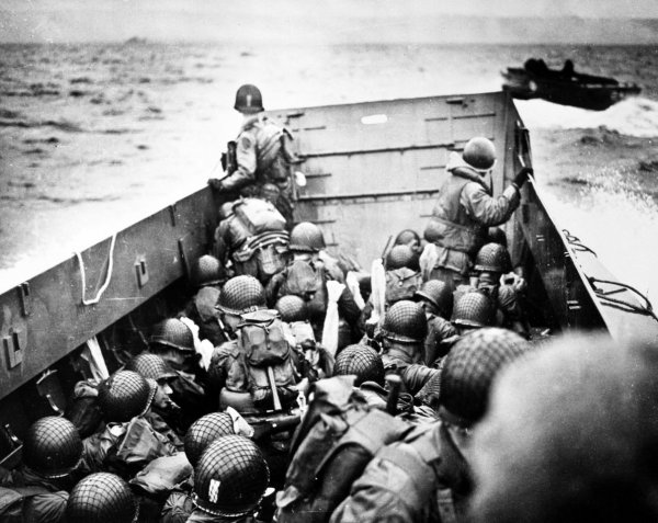 the d-day assault essay He then led the assault over a narrow protective ledge and across the flat, exposed terrain to the comparative safety of a cliff on d-day.