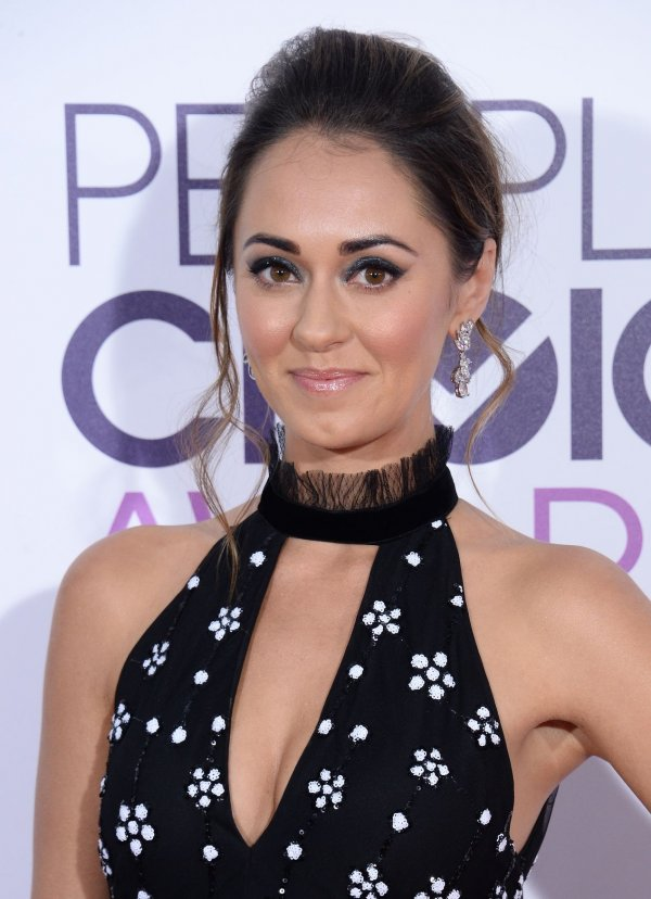 Photos from the red carpet at the people 39 s choice awards for People s choice 65