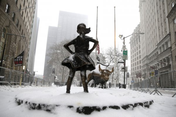 Winter storm hits New York City