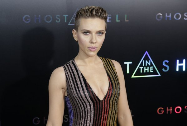 In Photos Scarlett Johansson Attends Ghost In The Shell Premiere In New York All Photos Upi Com