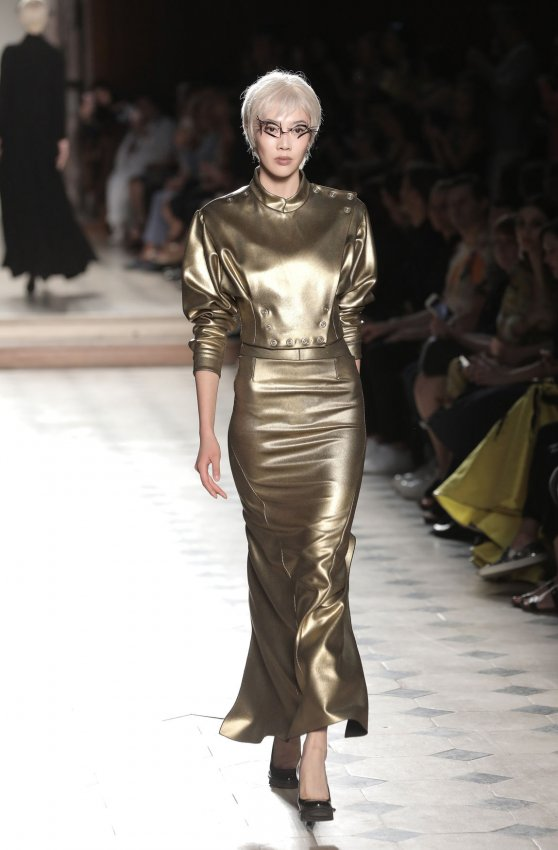 In photos julien fourni show at paris haute couture for Chambre syndicale de la haute couture