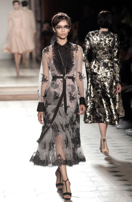 In photos julien fourni show at paris haute couture - La chambre syndicale de la haute couture ...