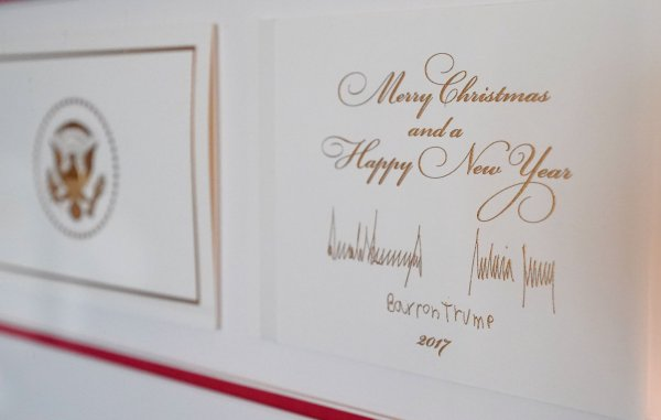 In photos white house holiday decorations unveiled White house christmas 2017 hgtv