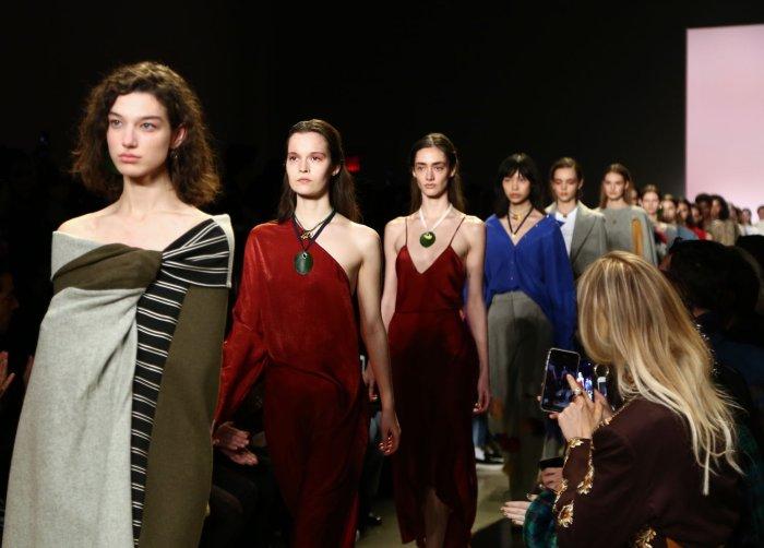 On The Runway At New York Fashion Week All Photos Upi Com