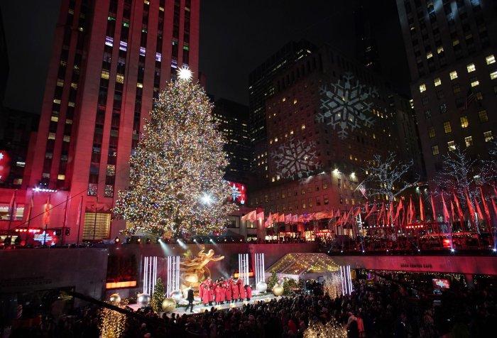 In photos: 2019 Rockefeller Christmas tree lighting - All ...