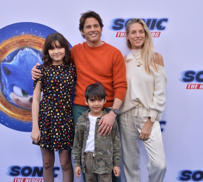 James Marsden & James Van Der Beek: Tommy Hilfiger Surf ...  James Marsden And Family