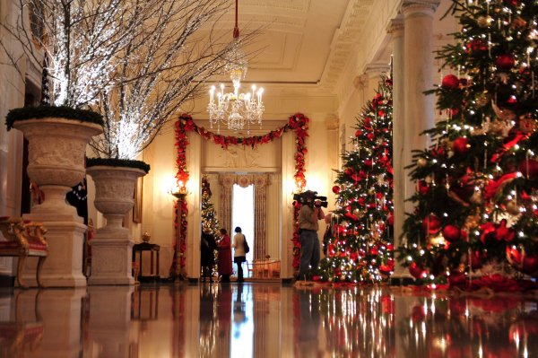 White house holiday decoration preview for A christmas decoration