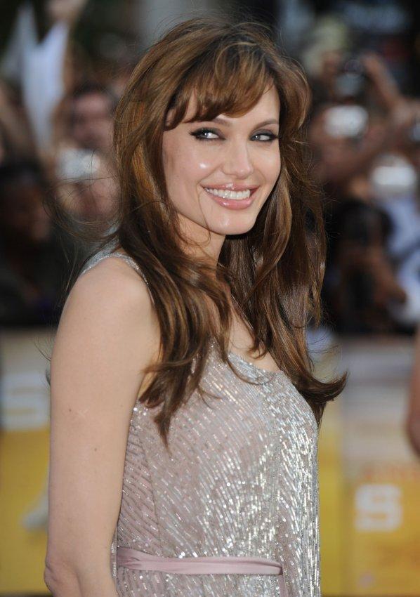 "Angelina Jolie attends ""Salt"" premiere"