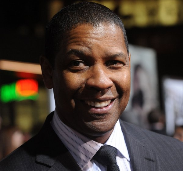 "Denzel Washington attends ""The Book of Eli"" premiere in Los Angeles"