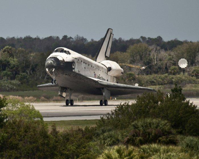 nasa space shuttle landing on earth - photo #48