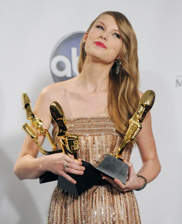 Taylor Swift garners three awards at the 2011 Billlboard Music Awards in Las Vegas