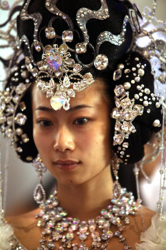 upi beauty expo china hair beijing gowns dressed chinese models shaver stephen