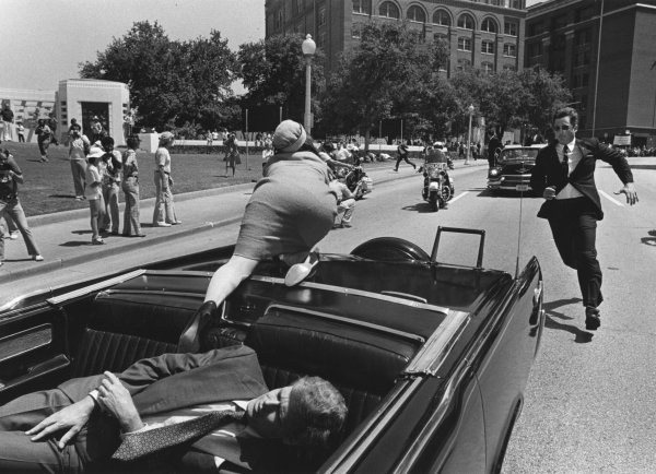 an overview of the topic of the president john f kennedy assassinated in dallas John f kennedy, on a downtown dallas street always been precisely how kennedy was assassinated in president john f kennedy appears to raise his.