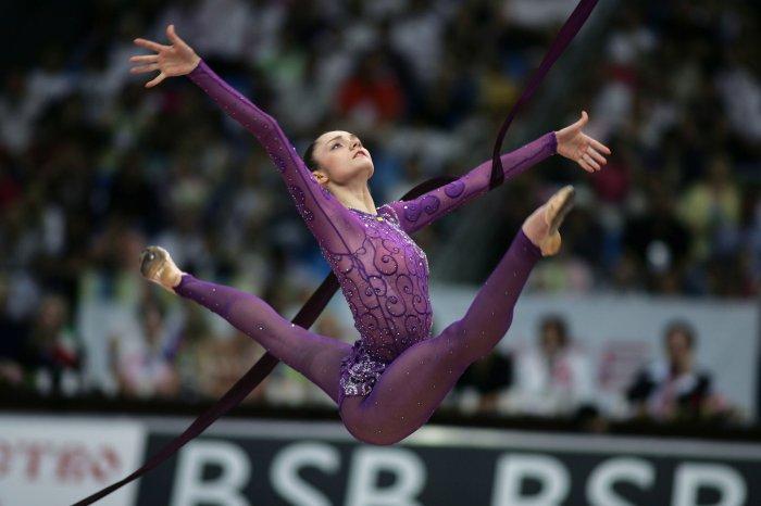 Гимнастки онлайн взрослые