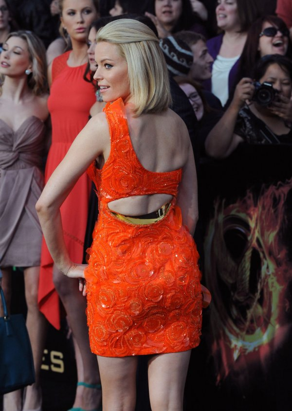 "Elizabeth Banks attend ""The Hunger Games"" premiere in Los Angeles"