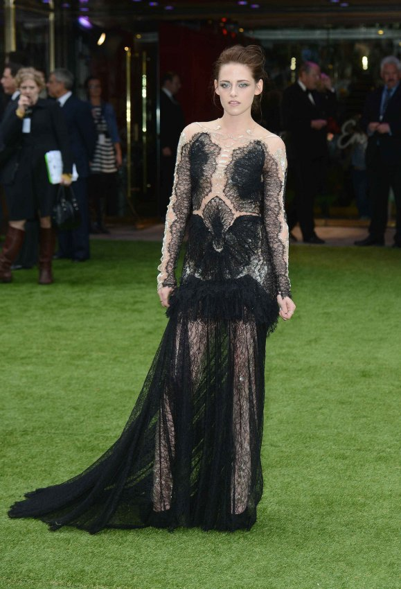 "Kristen Stewart attends the World premiere of ""Snow White And The Huntsman"" in London."