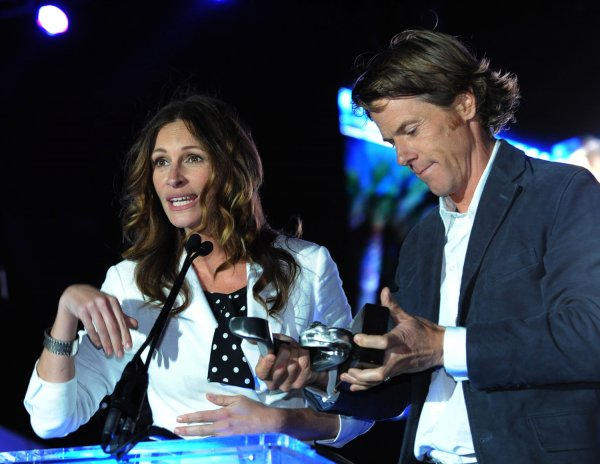 Julia Roberts And Danny Moder Honored By Heal The Bay - Upi.Com