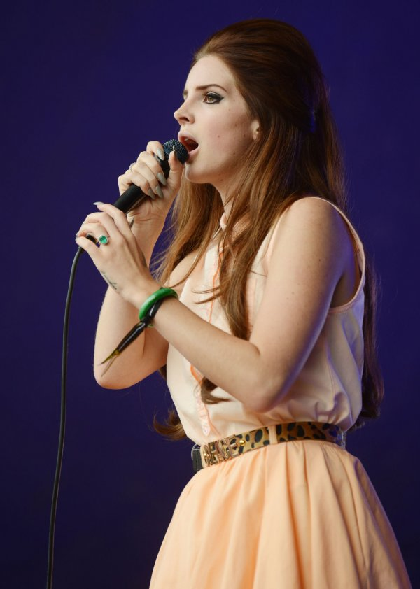 Lana Del Rey performs in London