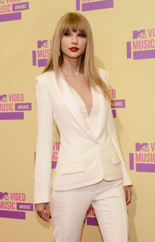 Taylor Swift attends the 2012 MTV Video Music Awards in Los Angeles