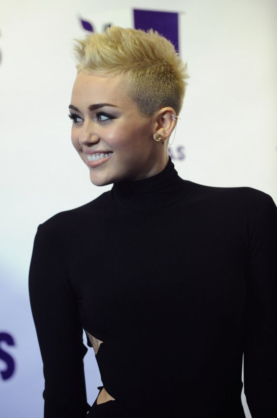 Miley Cyrus attends 'VH1 Divas' 2012 in Los Angeles