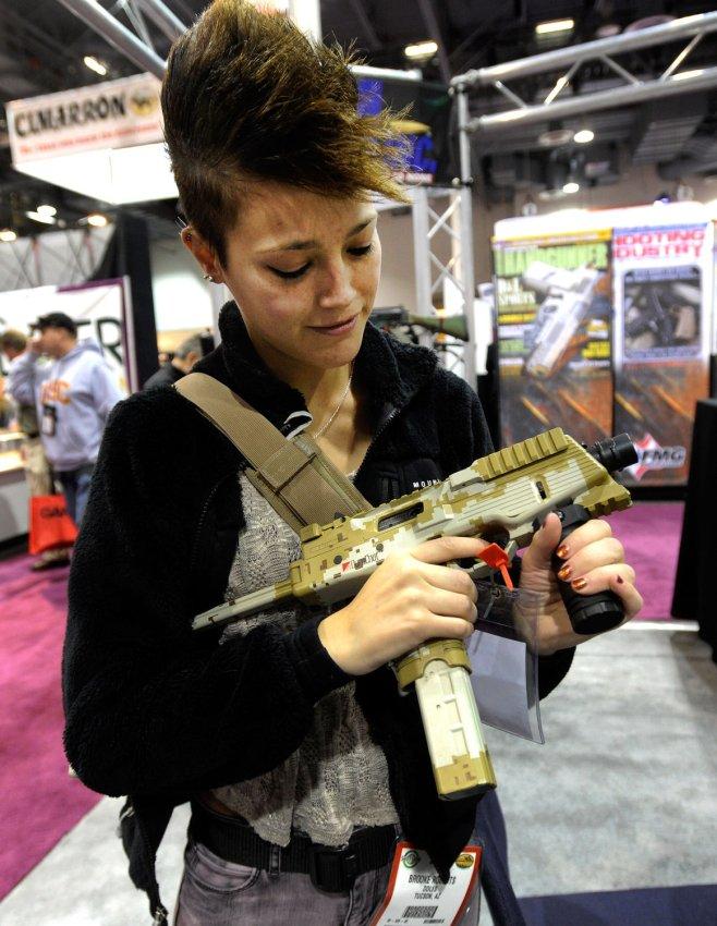 News 4 Tucson >> 35th Annual SHOT gun show in Las Vegas - All Photos - UPI.com