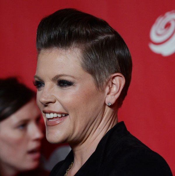 Natalie Maines arrives at 2013 MusiCares Person of the Year gala in Los Angeles