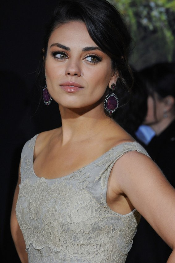 "Mila Kunis attends ""Oz The Great and Powerful"" premiere in Los Angeles"