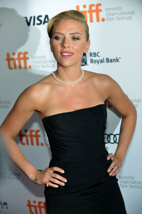 Scarlett Johansson attends the 'Don Jon' premiere at the Toronto International Film Festival