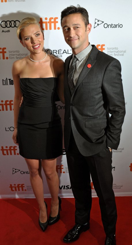 Scarlett Johansson and Joseph Gordon-Levitt attend the 'Don Jon' premiere at the Toronto International Film Festival