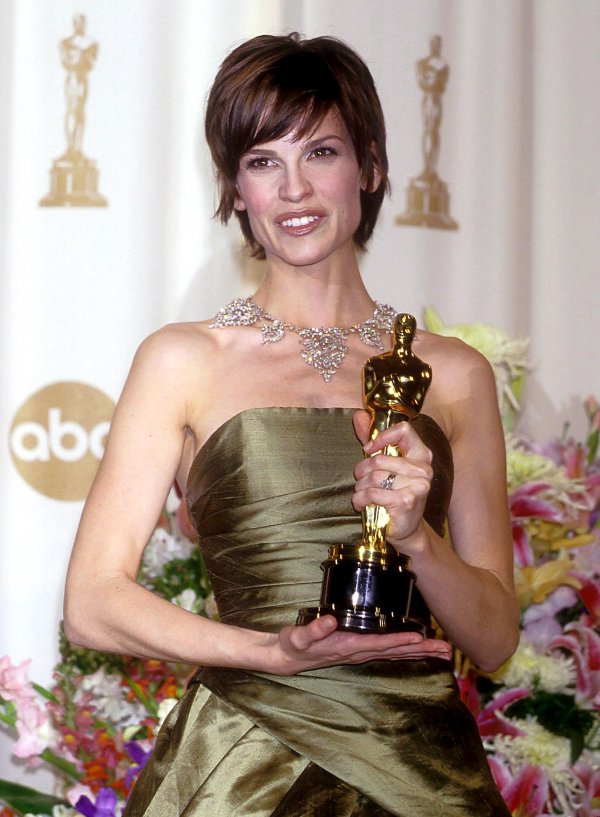 Hilary Swank wins oscar for best actress