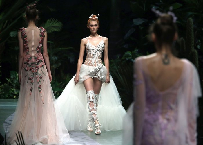 In photos: Yu Aiping show at China Fashion Week - Slideshow