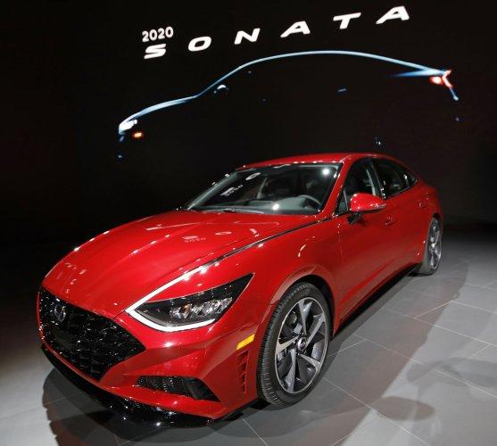 In Photos: Jaguar Wins World Car Award At New York Auto