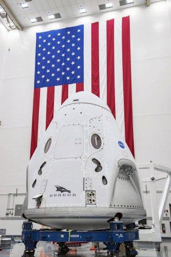 https://cdnph.upi.com/collection/ph/upi/12434/3e25717912ca237b84e2e88148542f8f/Astronauts-poised-to-return-to-space-from-US-soil_28_1.jpg