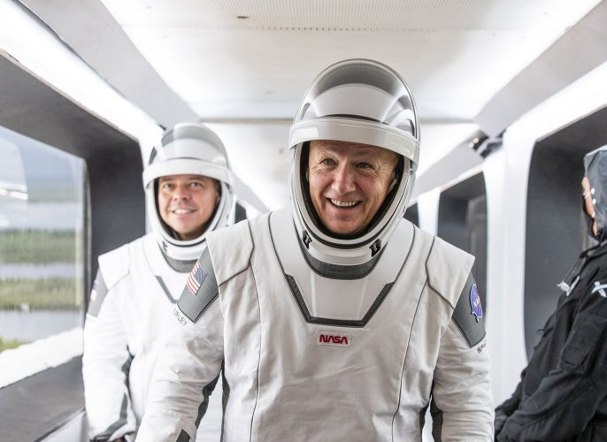 https://cdnph.upi.com/collection/ph/upi/12434/6f6f4e1a0aaf2d3536ae5c674b820dc0/Astronauts-poised-to-return-to-space-from-US-soil_1_1.jpg
